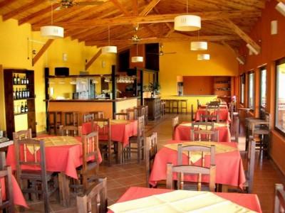 Restaurante y vivienda en venta en Flor Serrana, Tanti